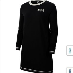 ✨Nike Varsity sweatshirt Dress✨